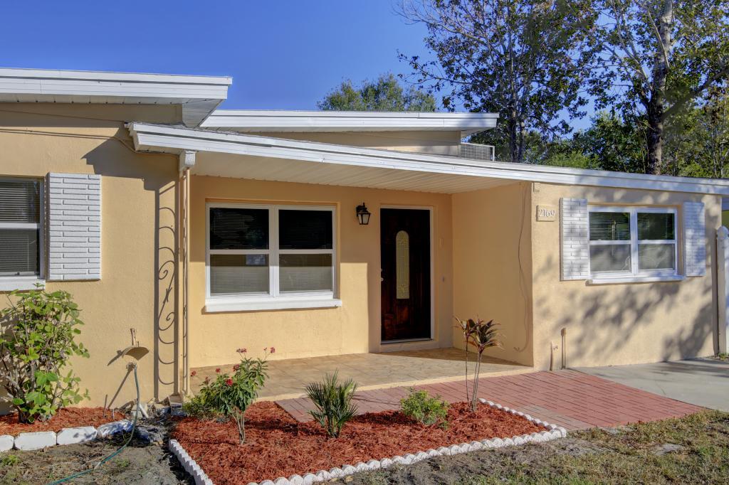 2169 Catalina Drive North, Clearwater, FL - USA (photo 3)