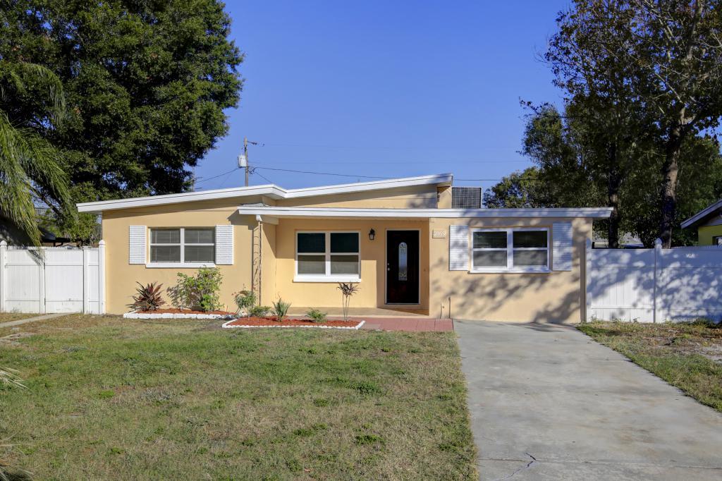 2169 Catalina Drive North, Clearwater, FL - USA (photo 1)